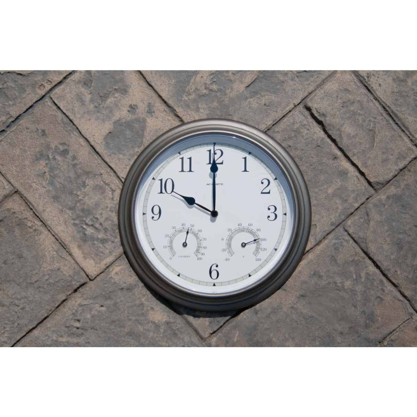 "Acurite 13.5"" Metal Indoor/Outdoor Clock Thermometer Image 2"